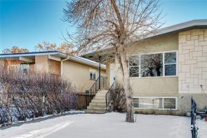6429 35 AV NW, Calgary