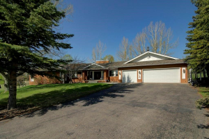 6 PINETREE DR SW, Rural Rocky View County