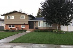 403 QUEEN CHARLOTTE RD SE, Calgary