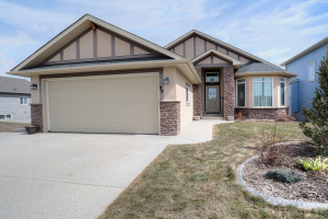 80 Lakes Estates CI, Strathmore