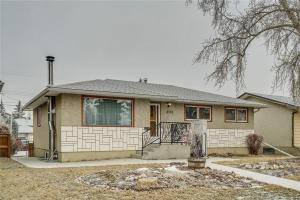 2136 54 AV SW, Calgary