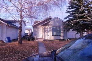 12 TARADALE CL NE, Calgary