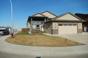 24 Viceroy CR , Olds