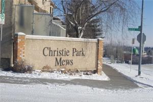 211 CHRISTIE PARK ME SW, Calgary