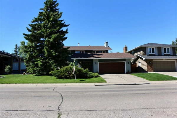 2128 LAKE BONAVISTA DR SE, Calgary
