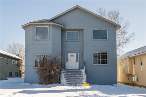 352 WEST CHESTERMERE DR , Chestermere