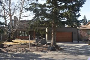 1323 70 AV SW, Calgary