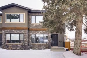 454 26 AV NW, Calgary