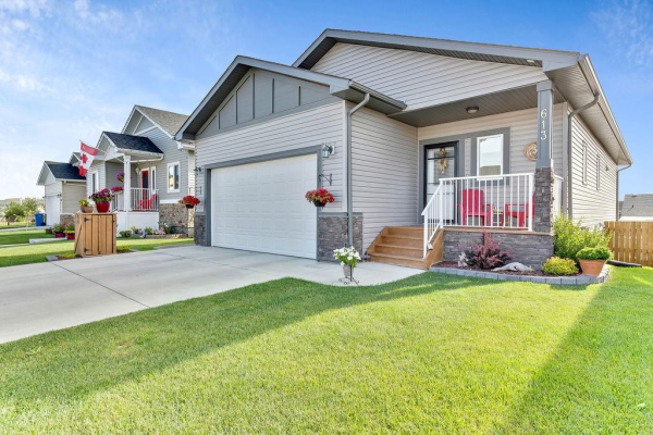613 Country Meadows CL NW, Turner Valley