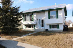 6232 Cypress CL , Olds