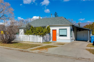 402 8A ST NE, Calgary