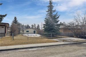 305 34 AV NE, Calgary