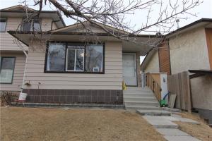 146 BERKLEY WY NW, Calgary