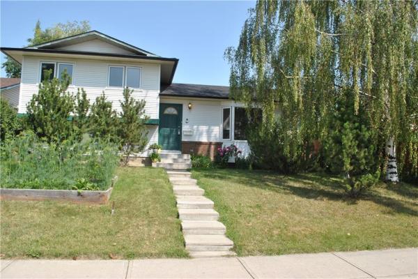 391 WOODVALE CR SW, Calgary