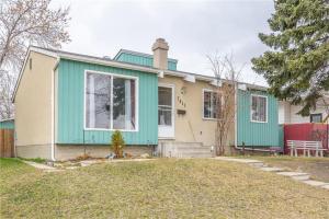 7915 Huntington ST NE, Calgary