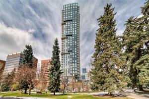 #1206 310 12 AV SW, Calgary