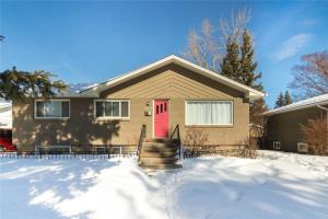 4232 5 AV SW, Calgary