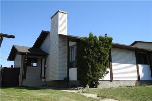 104 CASTLERIDGE WY NE, Calgary