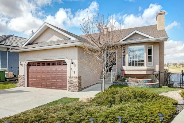 219 LAKESIDE GREENS CO , Chestermere