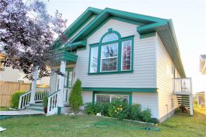 109 MARTINVALLEY CR NE, Calgary