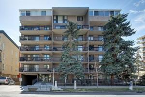 #204 1033 15 AV SW, Calgary
