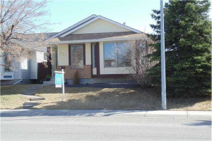 111 MARTINWOOD RD NE, Calgary