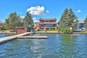 756 WEST CHESTERMERE DR , Chestermere