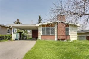 2320 54 AV SW, Calgary