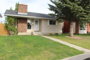 4216 49 ST NE, Calgary