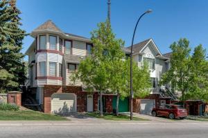 5443 PATINA DR SW, Calgary