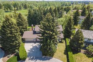 812 Varsity Estates PL NW, Calgary