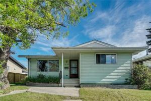 1844 76 AV SE, Calgary