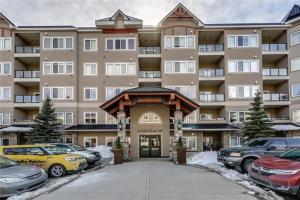 #340 10 DISCOVERY RIDGE CL SW, Calgary