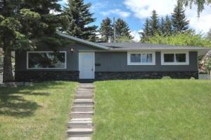 36 HUTTON CR SW, Calgary