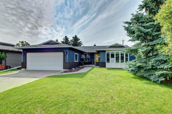 531 PARKVALLEY RD SW, Calgary