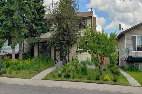 40 FALCONRIDGE CL NE, Calgary