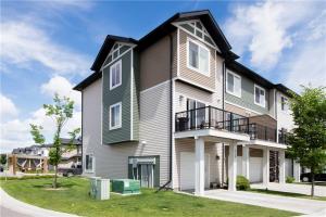 319 Taralake WY NE, Calgary