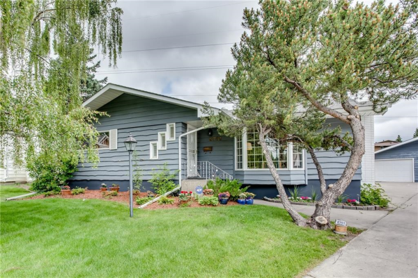 6701 LACHINE CO SW, Calgary