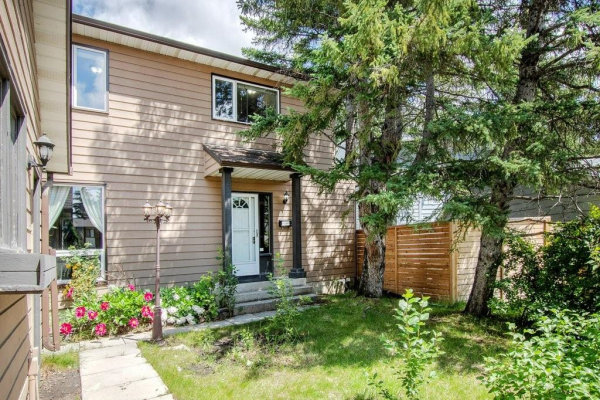 243 RANCHVIEW CO NW, Calgary