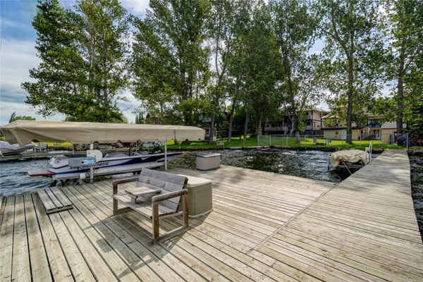737 EAST CHESTERMERE DR , Chestermere