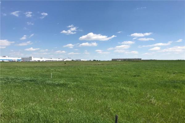 2020 100 AV NE, Calgary