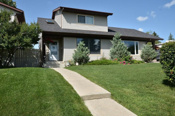 10 RANCH GLEN DR NW, Calgary