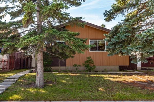 394 MAITLAND HL NE, Calgary