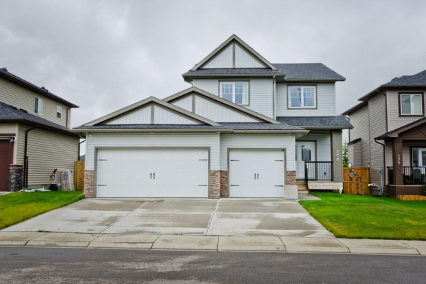 232 RANCH CL , Strathmore
