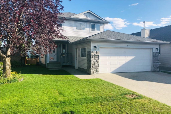 82 CRYSTALRIDGE CL , Okotoks