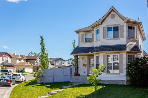 11 SADDLECREST CL NE, Calgary