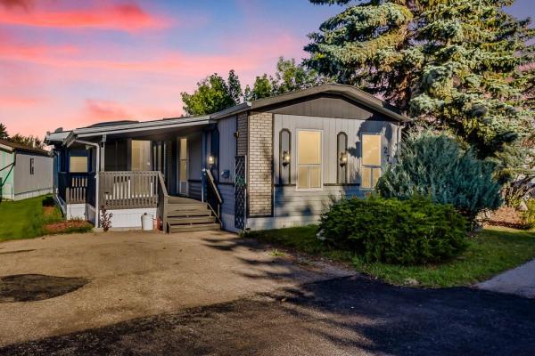 277 Burroughs CI NE, Calgary