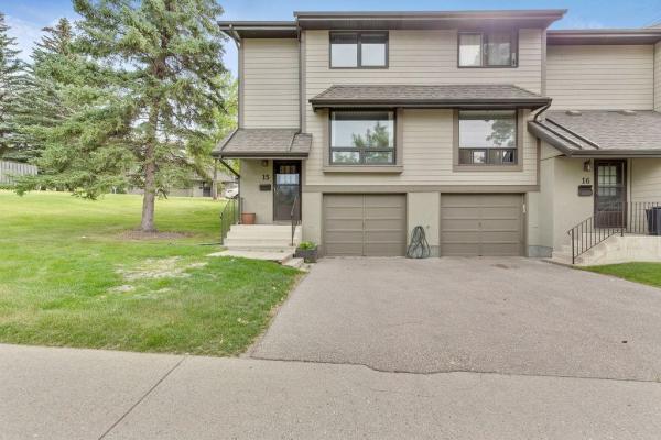 #15 5019 46 AV SW, Calgary