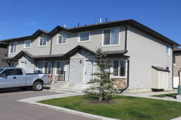 346 Saddlebrook PT NE, Calgary