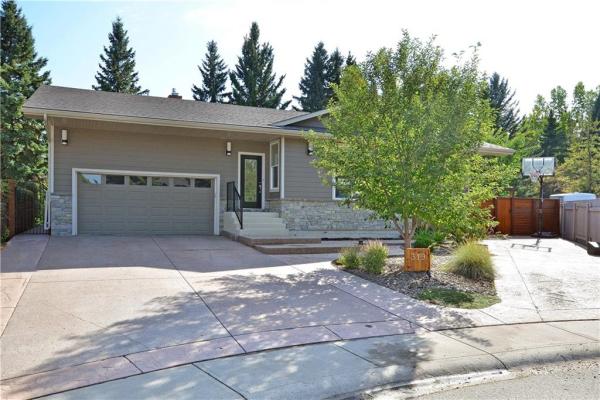 319 Canterbury PL SW, Calgary